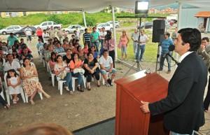 Urtubey destacó la inversión pública en viviendas