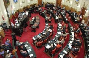 Unicameral: Oficialismo aprobó estatización de la Terminal de Ómnibus