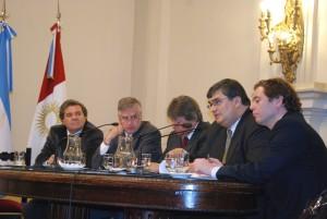 Defensa de la prensa: Oficialismo defendió el decreto de DLS y lo aprobará en sesión