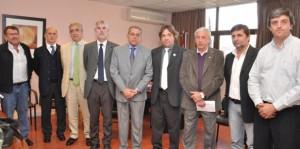 Uez-se-reunio-con-representantes-de-laboratorios1-618x307