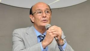 González tendrá a su cargo la distribución del Fondo de Infraestructura