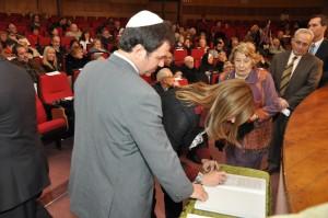 Alicia Pregno firmó el decálogo de propuestas por la paz