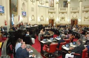 Oficialismo aprobó nuevo régimen de contrataciones del Estado