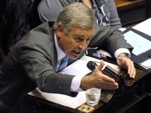 Aguad cuestionó política energética K y a Galuccio en YPF