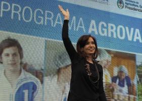 """CFK quiere discutir con """"los grandes jugadores, no con los suplentes"""""""