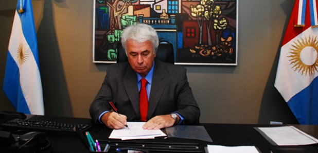 De la Sota firma decreto designación seguridad