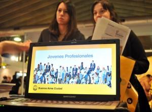 Jóvenes Profesionales en Expo Empleo Joven 2013