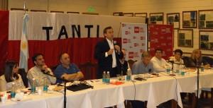En cónclave de unidad radical, Aguad denunció pacto Scioli-DLS