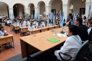Mestre recordó a Alfonsín por los 30 años de democracia