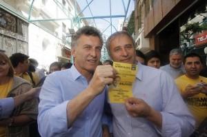 En campaña: Macri le apuntó al gobierno K y su candidato cordobés a De la Sota