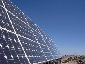 Energía Solar: Para especialista, el sistema de captadores de calor produce ahorros de hasta un 80%