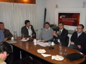 Intendentes radicales analizan suspender programas por deuda de la provincia