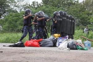 policia ingreso Monsanto