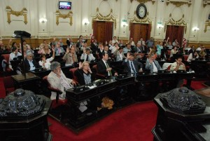 Unicameral: Sesión con debate polémico. González será la 3a. autoridad de la provincia y la UCR quiere ser primera minoría