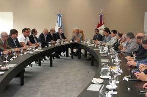 Gobierno retomó diálogo con intendentes en la Mesa Provincia-Municipios