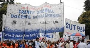 Gremios docentes bonaerenses piden un aumento superior al 35 por ciento