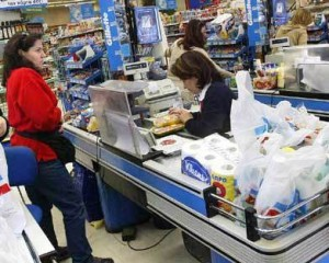 Precio Cuidados: Analizan instalar chips de control en las cajas de supermercados
