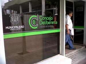 Contrapunto entre municipio y oposición por judicialización del aumento del boleto