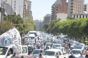 Caravana de las 2 CGT en defensa del Salario
