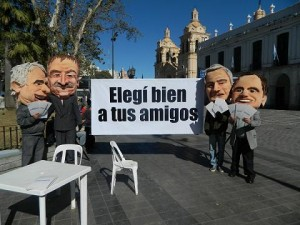 foto máscaras 3 Frente civico