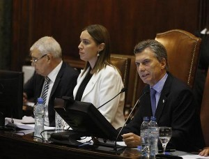 """En la apertura de sesiones, Macri llamó a """"no politizar la educación"""""""