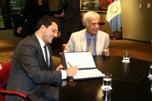 De la Sota y Massa firma de convenios