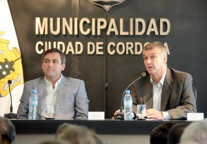 "Mestre renovará gabinete tras ""crisis municipal"""