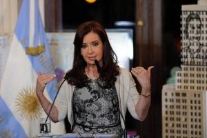 """Tras anuncio de aumento en la AUH y en asignaciones familiares, CFK reconoció que la """"reparación aún no es suficiente"""""""