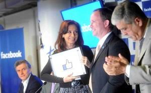 """La """"buena onda"""" de Facebook contrarresta las pálidas de la """"cadena del desánimo"""""""
