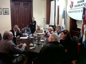 Tras panorama trazado por Urbano de la UOM, la Unicameral declarará preocupación por suspensiones y despidos de trabajadores