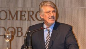 Arrighi en la presentación informe anual 2013 caja