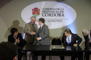 Tras el acuerdo con Renault, De la Sota destacó alianza con Brasil y pidió refundar el Mercosur