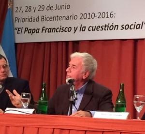 La pobreza, eje de debate de De la Sota, en encuentro de la Pastoral Social