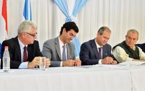 """Urtubey en Paraguay: """"Tenemos que lograr la complementación productiva"""""""