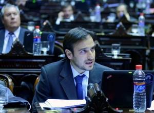"""Mestre (diputado) demandó información oficial por el avión """"canillita"""" de CFK"""