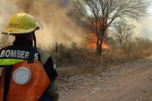 """Tras debate, oficialismo rechazó pedidos de informes sobre el """"manejo del fuego"""""""