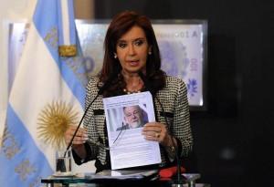 Fondos Buitre: CFK denunció que quieren ver a la Argentina de rodillas