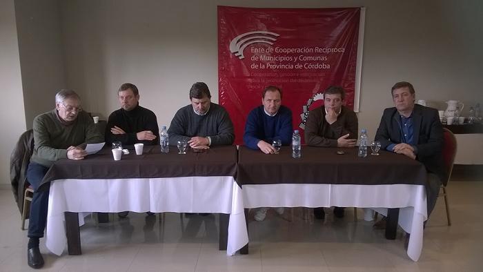 Delarrosa e intendentes UCR