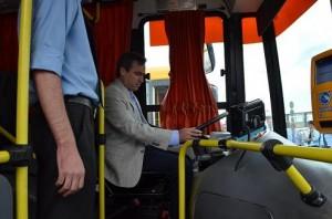 Mestre defendió lo hecho en transporte con énfasis en inversión de nuevas unidades