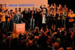 """""""Ola Naranja"""" para Scioli Presidente"""