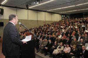 231 médicos residentes de hospitales públicos recibieron su certificación de egreso