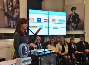 CFK lanzó programa de fomento al consumo y promulgó la ley de Pago Soberano
