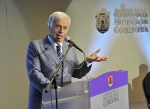 "De la Sota  tildó de ""irresponsable"" al gobierno K"