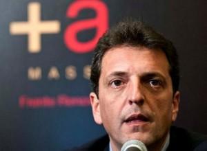 """Massa acusó a Scioli de integrar """"la vieja política que agrede y no propone"""""""
