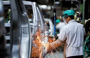 Gobierno destacó acuerdo con las automotrices para importar piezas y abastecer el mercado local