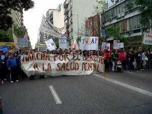Organizaciones y colectivos sociales marcharon por el derecho a la salud mental