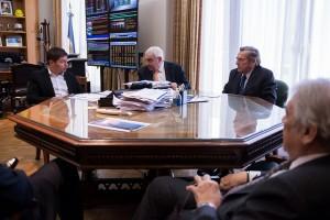 Reunión de Kicillof con el G6 a agenda abierta. Ausencia del Campo