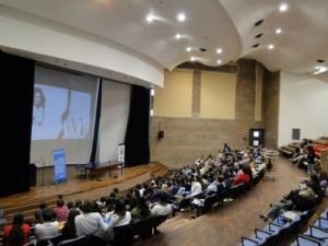auditorio con gente