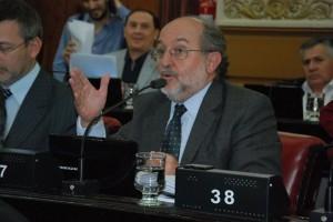 """Funcionarios """"bajo la lupa"""": Proponen Control Administrativo sobre cese de gestión"""