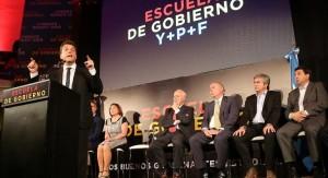 En Córdoba, Massa se mostró junto a Olga Riutort y su equipo económico